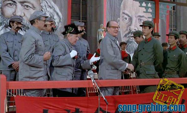 1974年法国拍的《中国人民解放军占领巴黎》